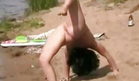 ક્રેઝી 3SOME Pussy સાથે Kimber વાહિયાત બીચ પર લી, સારા જય