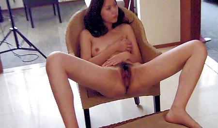 વિચિત્ર સેક્સ અને વાહિયાત વિડિઓ લેટિના Striptease લાંબા વાળ અને
